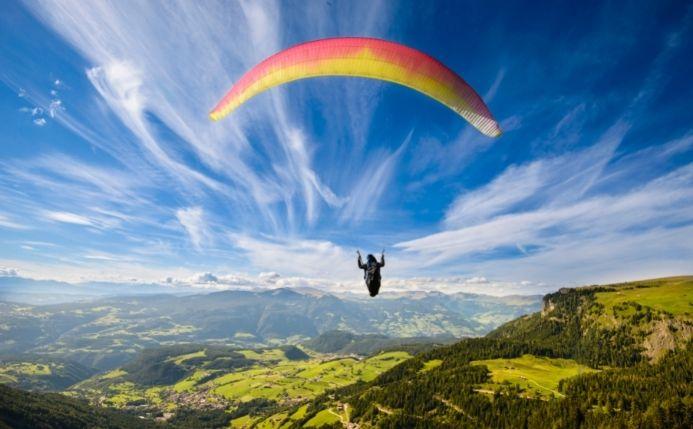 Volar en parapente en España